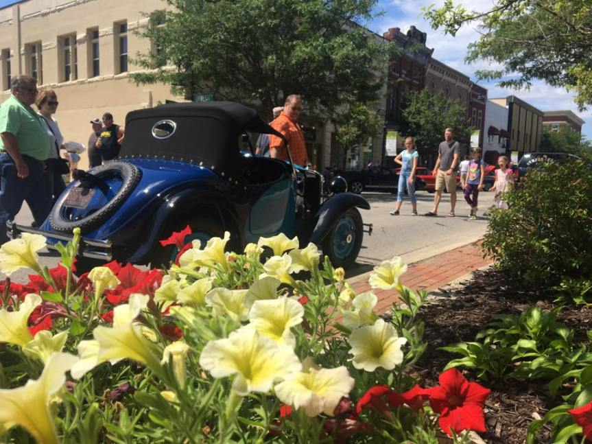 Back to the Bricks® car show stops downtown Mt. Pleasant June8